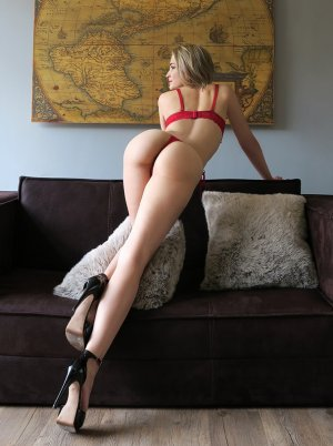 Kylianne nuru massage & call girls