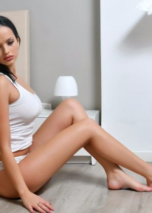Lilliana escort girl in Park City Utah and thai massage
