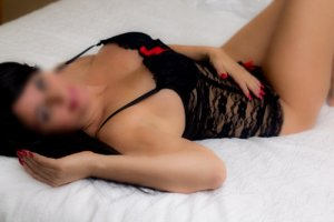 Fenicia live escort in Andover, happy ending massage