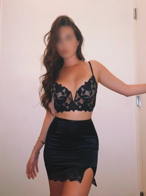 Emeline escort girl and erotic massage
