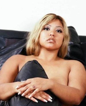 Bella live escort in Frederick, massage parlor